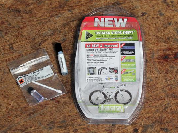 Road Cc Review The Datatag Uv Stealth Pro Cycle System